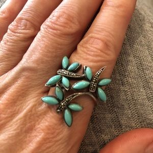 Gorgeous vintage butterfly ring